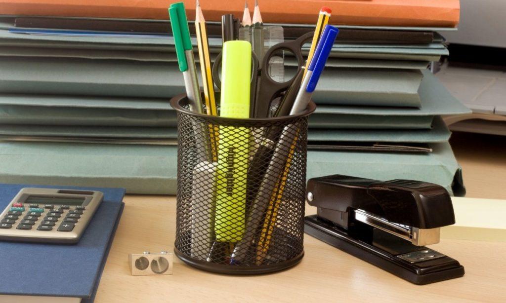 coworker gift ideas- desk organiser