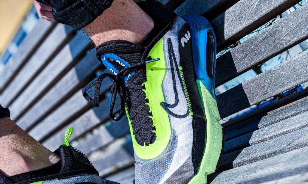 workout shoes: nike